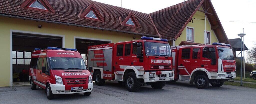 Rüsthaus und Fahrzeuge